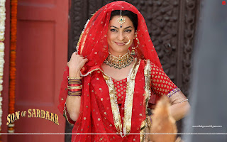 Red Hot Juhi Chawla Son Of Sardaar Wallpaper