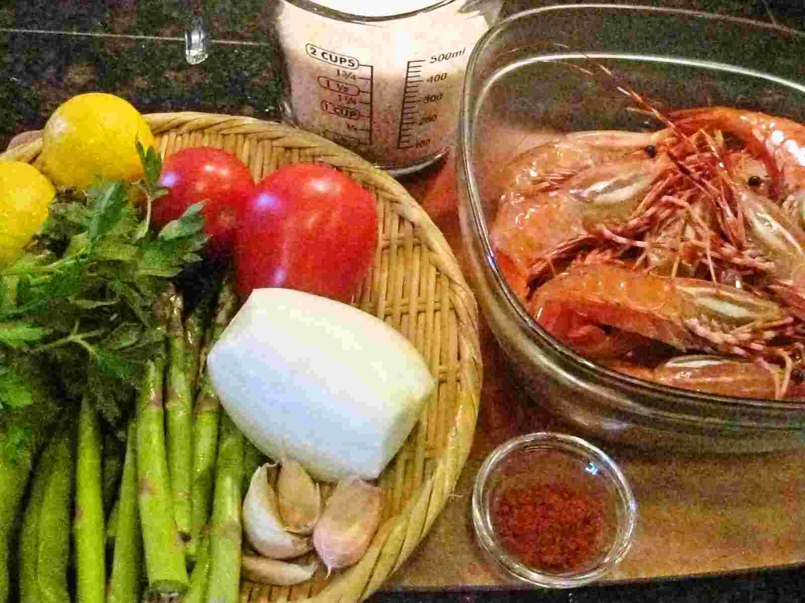 recipes for tom ebi no paeriya paella with prawns. Black Bedroom Furniture Sets. Home Design Ideas