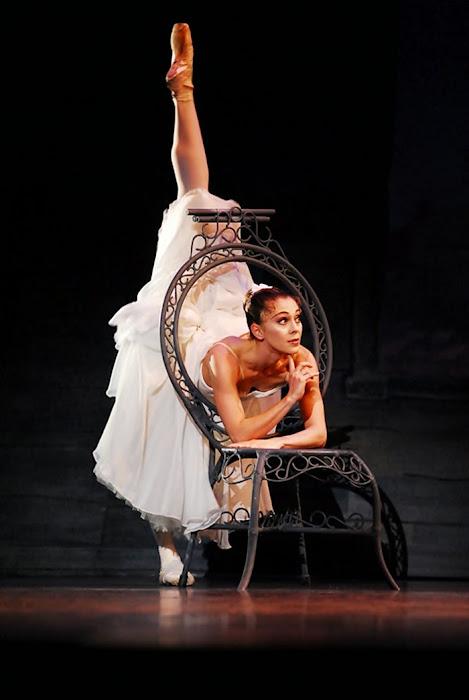 Ballerina Ambra Vallo
