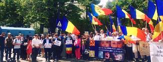 Deputaţii Doru Coliu şi Constantin Codreanu fac demersuri pt. returnarea copiilor Cameliei Smicală
