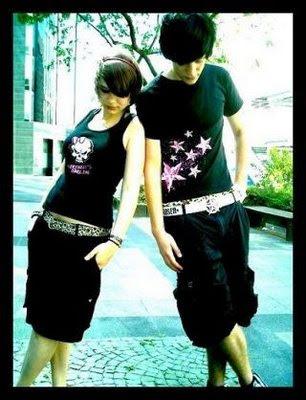 http://4.bp.blogspot.com/-lCipbR3mNUg/Td_J4Xd993I/AAAAAAAAAoI/fzUUzC5OKZ4/s640/emo+love+girl+and+boy.jpg