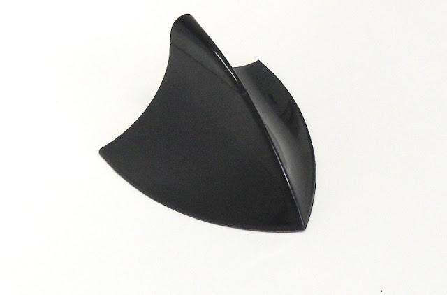 Antena tubarão decorativa cromada ou preta para carros