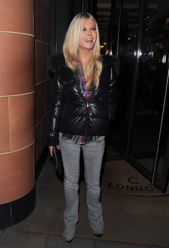 Tara Reid leaving a restaurant in London