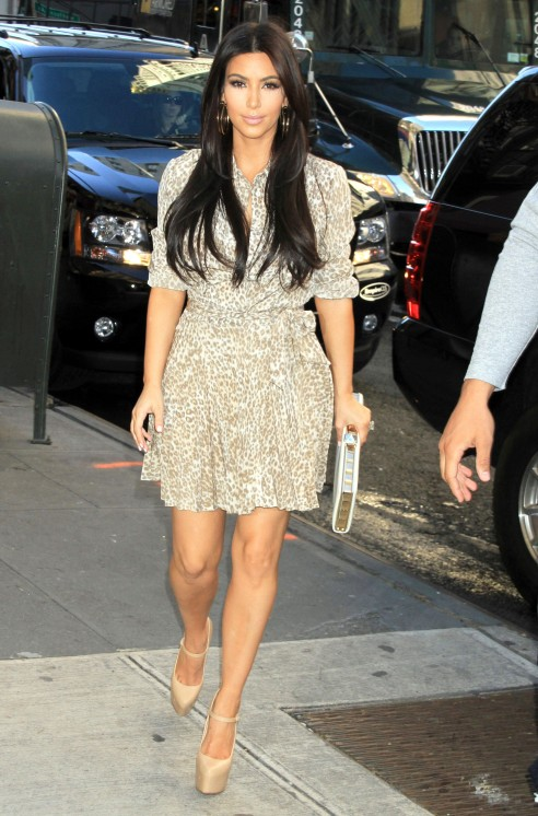 Espelho Espelho Meu Kim Kardashian Casual Style 2012