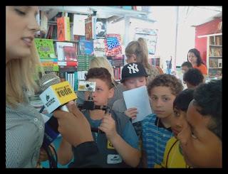 Weslwy, 10 anos entrevista Mariane Dornelles Wetter Reporter da TV Pampa