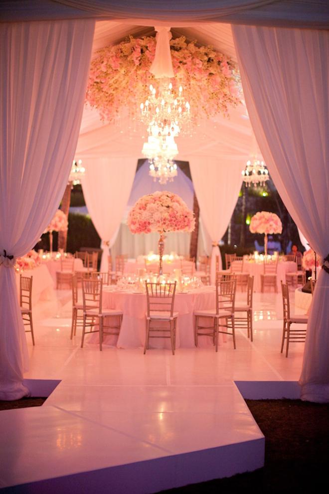 Fabulous drapery ideas for weddings part 2 belle the - Decoracion de salones estilo vintage ...