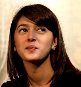Kumpulan foto-foto artis cantik dan manies Nabila Syakieb: