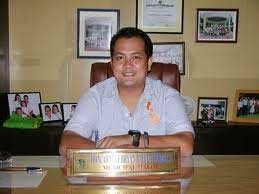 Camarines Sur League of Municipalities President Arnie Fuentebella