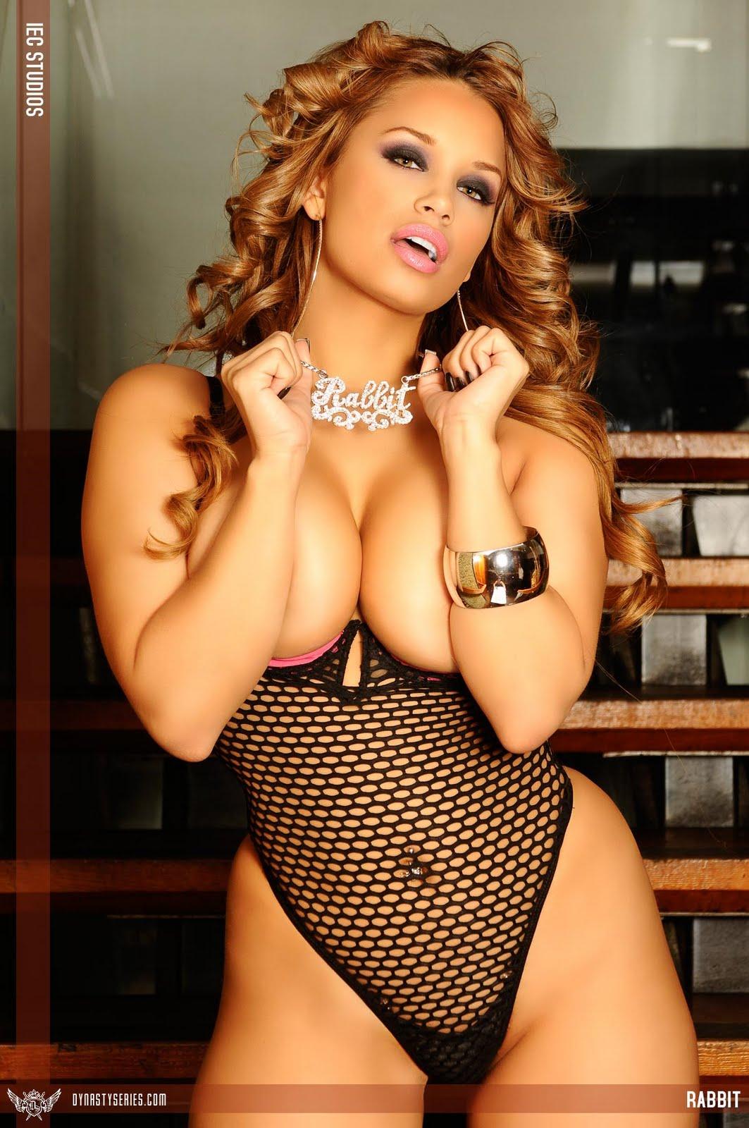 http://4.bp.blogspot.com/-lDb3xRQuEqk/TgnoFH8QTsI/AAAAAAAAAVc/heprRTKjGXQ/s1600/jessica_miss_rabbit_82.jpg