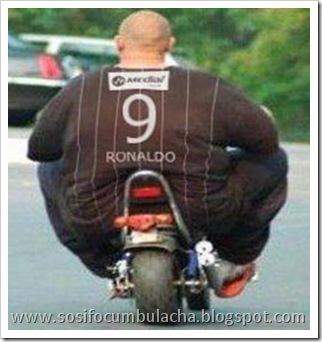 Grand theft auto 5 ps4 - Página 2 Ronaldo-gordo-moto2%255B4%255D