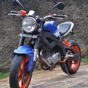 Modifikasi: Suzuki Thunder 250 cc Street Fighter Modifikasi Motor