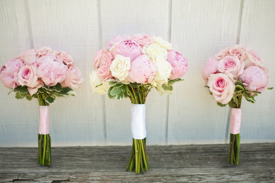 Ordinaire Pink Garden Roses And Peonies For Mandy And Ryanu0027s Wedding