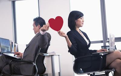 manfaat pacaran dengan teman satu kerja
