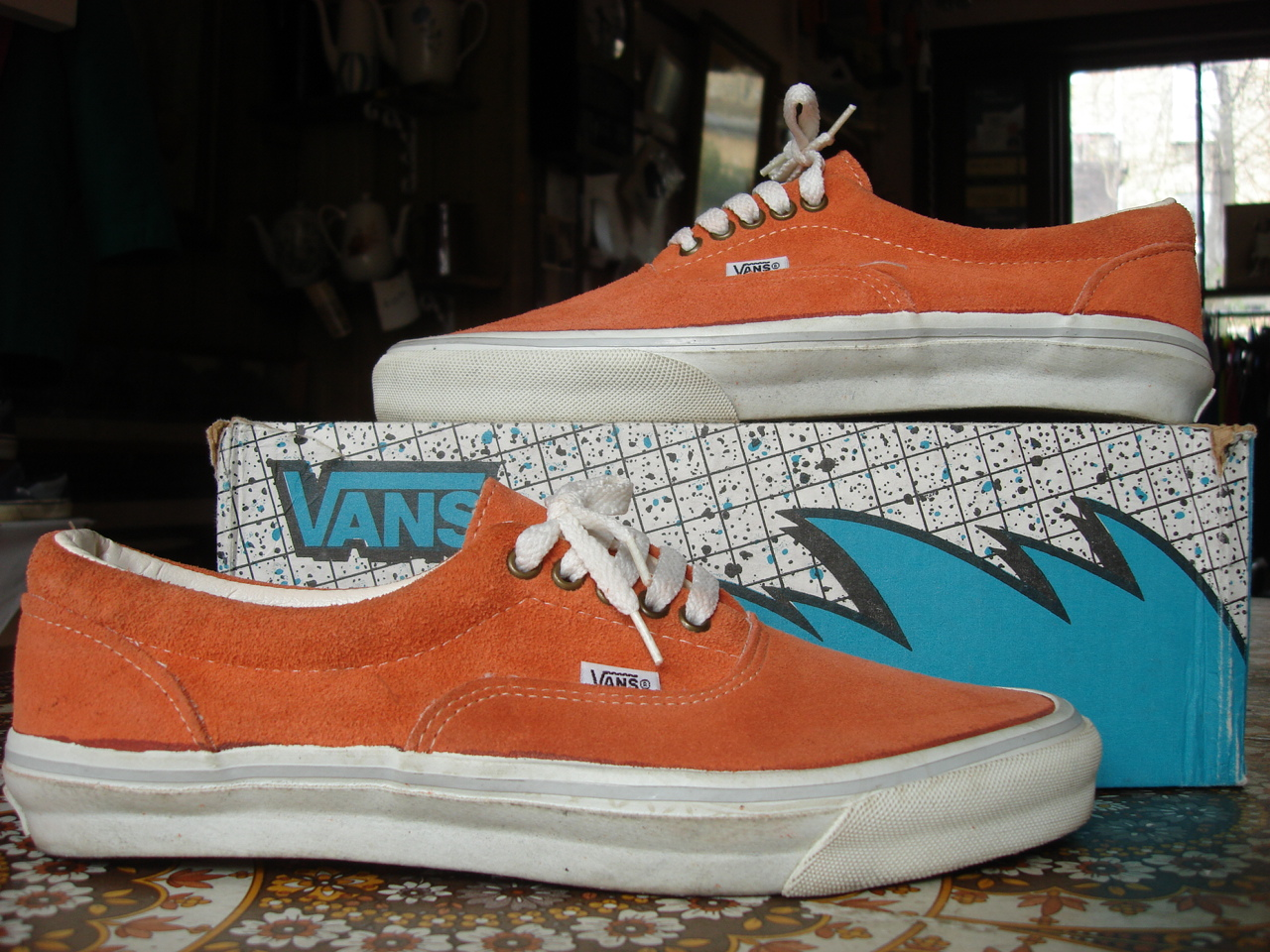 MADE IN USA 1990s new in box orange US11.5 crescent isalnd collection