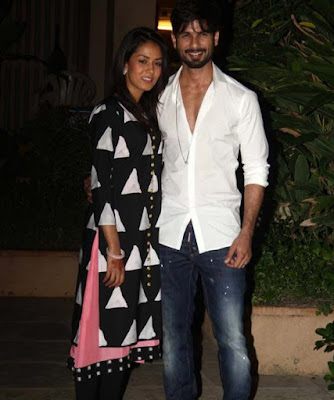 Just Married Couple Shahid Kapoor & Mira Rajput Pose to camera at their home