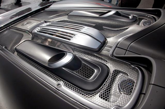 Porsche 918 Spyder: Full Performance Specs and Official Photos