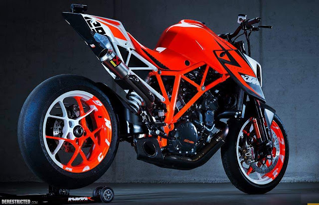 A insana KTM Super Duke 1290 conceito no EICMA