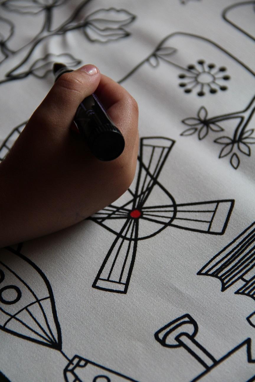 harzhexes handarbeiten kissen by leni f. Black Bedroom Furniture Sets. Home Design Ideas