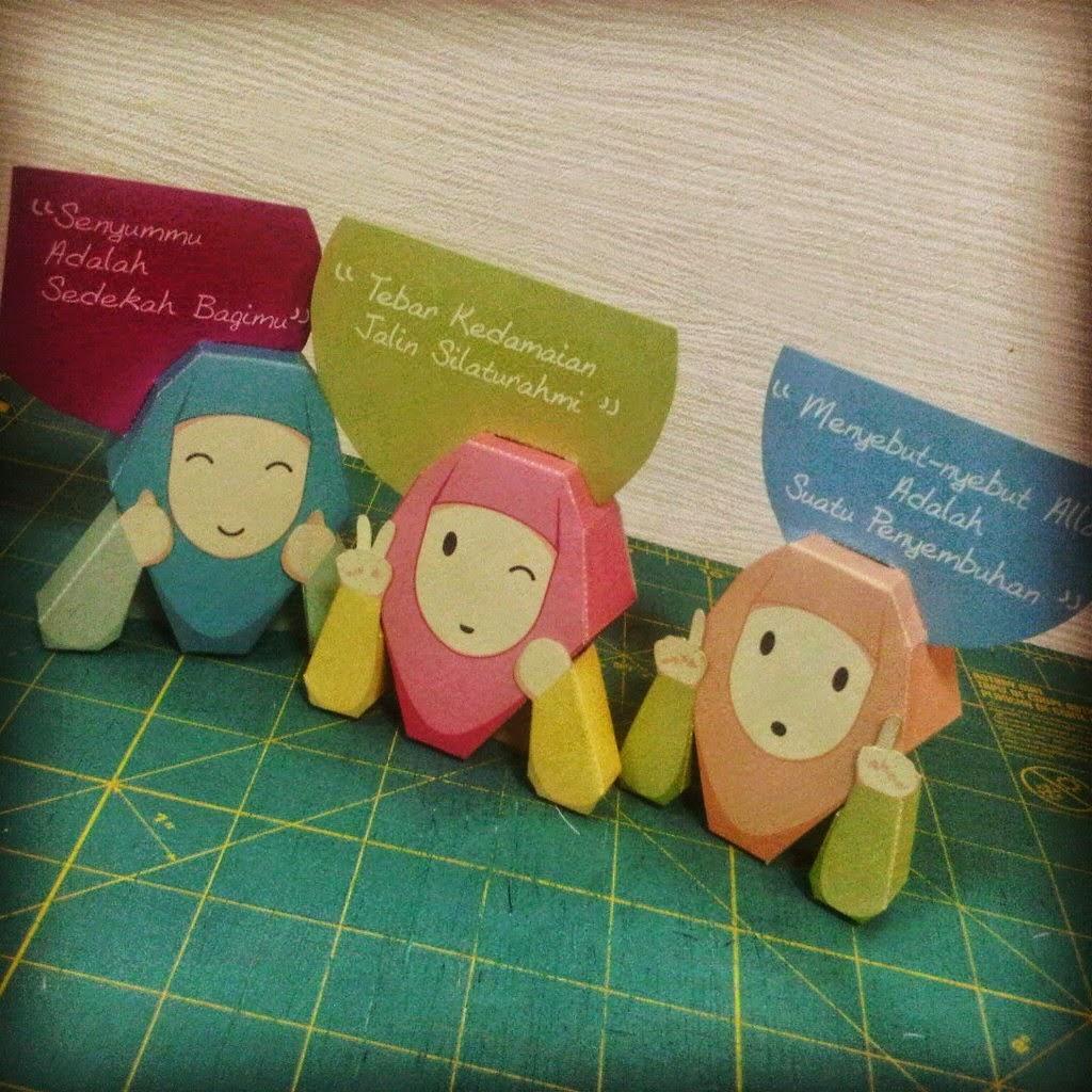 Akhwat Paper Toys Papercraft