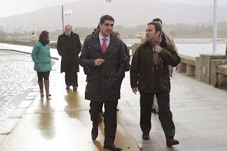 Fotografia do Presidente da Camara de Caminha (Miguel Alves) e Ministro do Ambiente (Jorge Moreira da Silva)