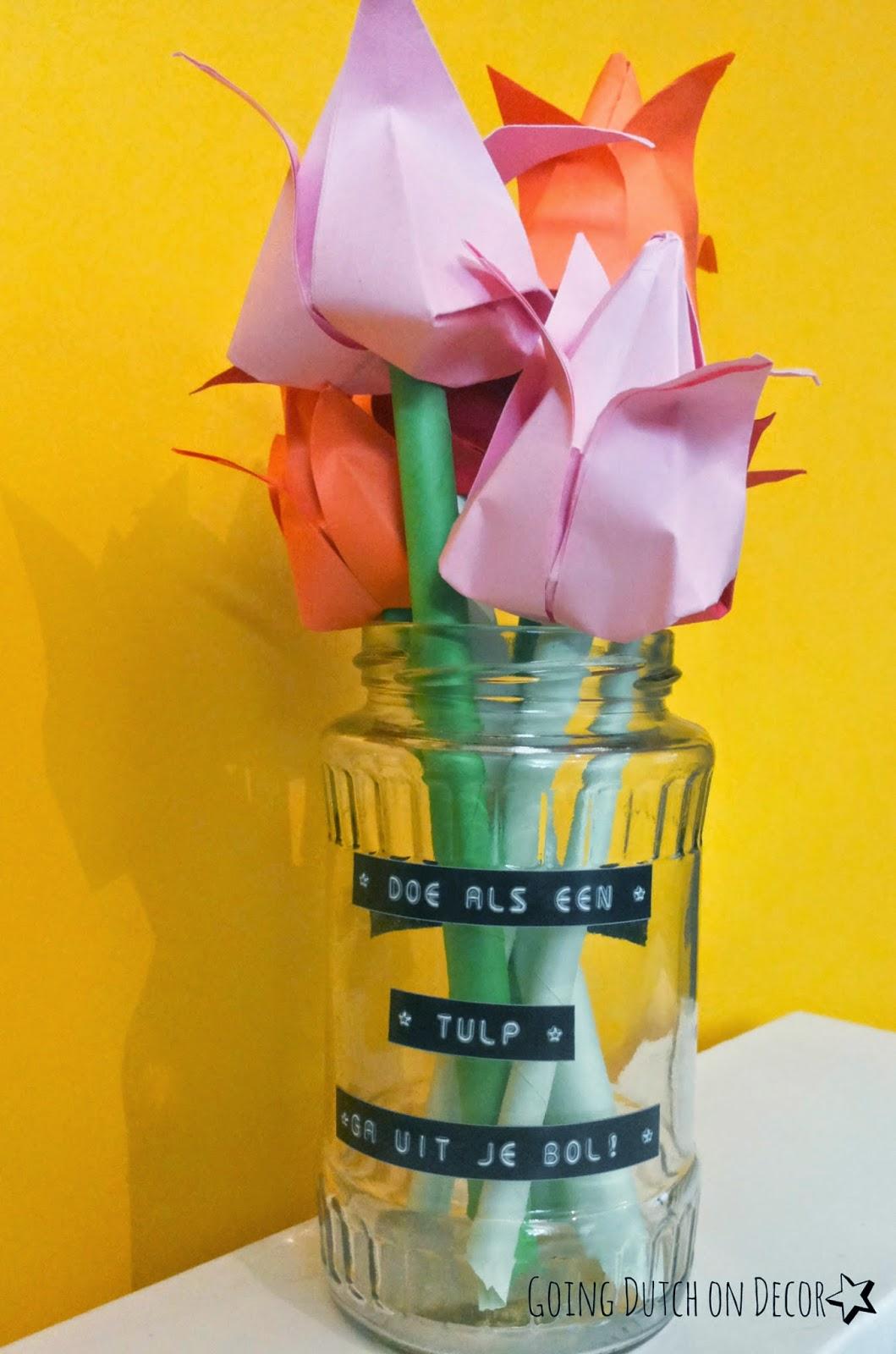 Origami tulpen met quote in een glazen pot