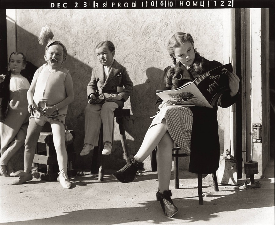 judy garland takes a break during the filming of the