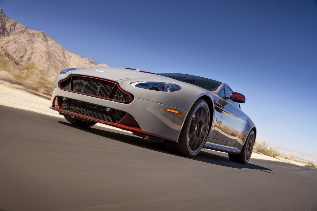 Aston Martin V12 Vantage HD Photo