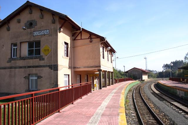 excursiones en tren de vía estrecha, feve, organizadas por hotel a vía láctea, ferrol modernista. www.escapadastematicas.com