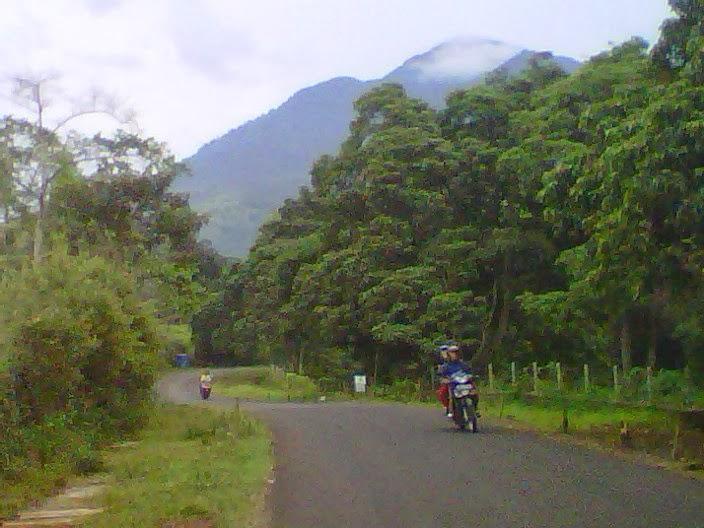 Gunung Aktif di Indonesia ~ Ring Of Fire Adventure