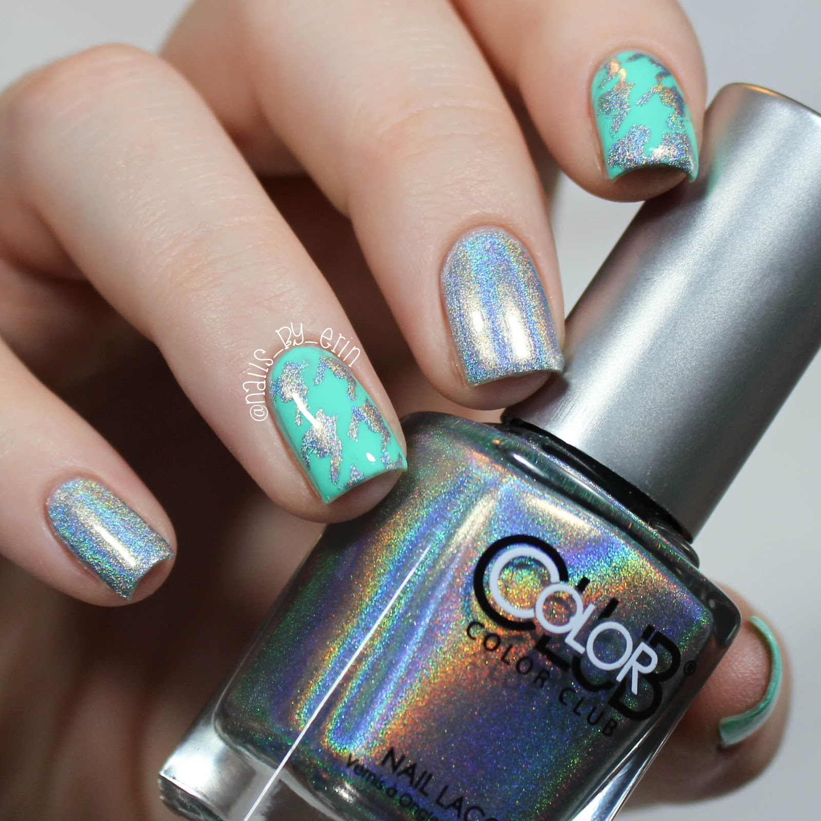 Nailsbyerin Holographic Houndstooth Nails