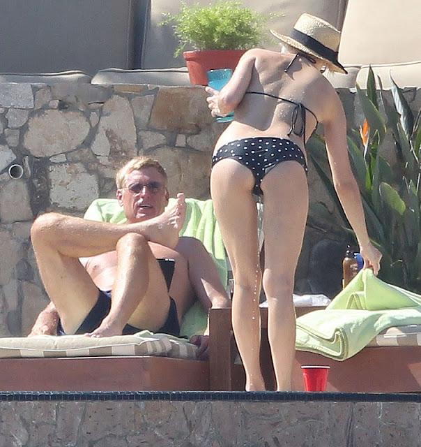 Ashlee Simpson - Bikini Candids in Mexico