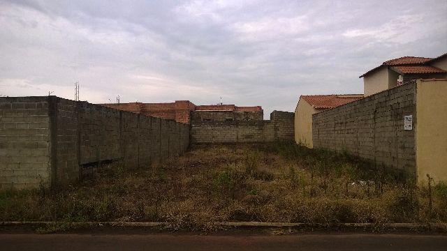 http://sp.olx.com.br/regiao-de-ribeirao-preto/terrenos/terreno-275m-11x25m-jd-sao-lucas-jardinopolis-sp-138164778