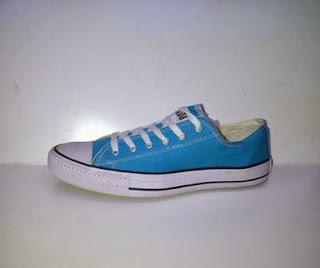 converse clasic low biru langit,converse casual,sepatu sekolah,sepatu kerja,sepatu santai