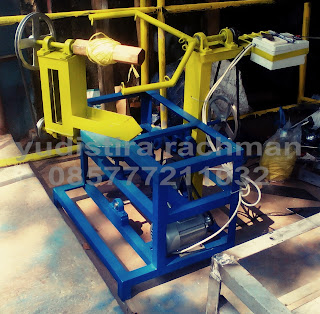 Mesin Gulung Tali Rafia Besar Otomatis