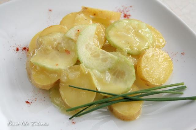 sałatka ziemniaczana z ogórkiem