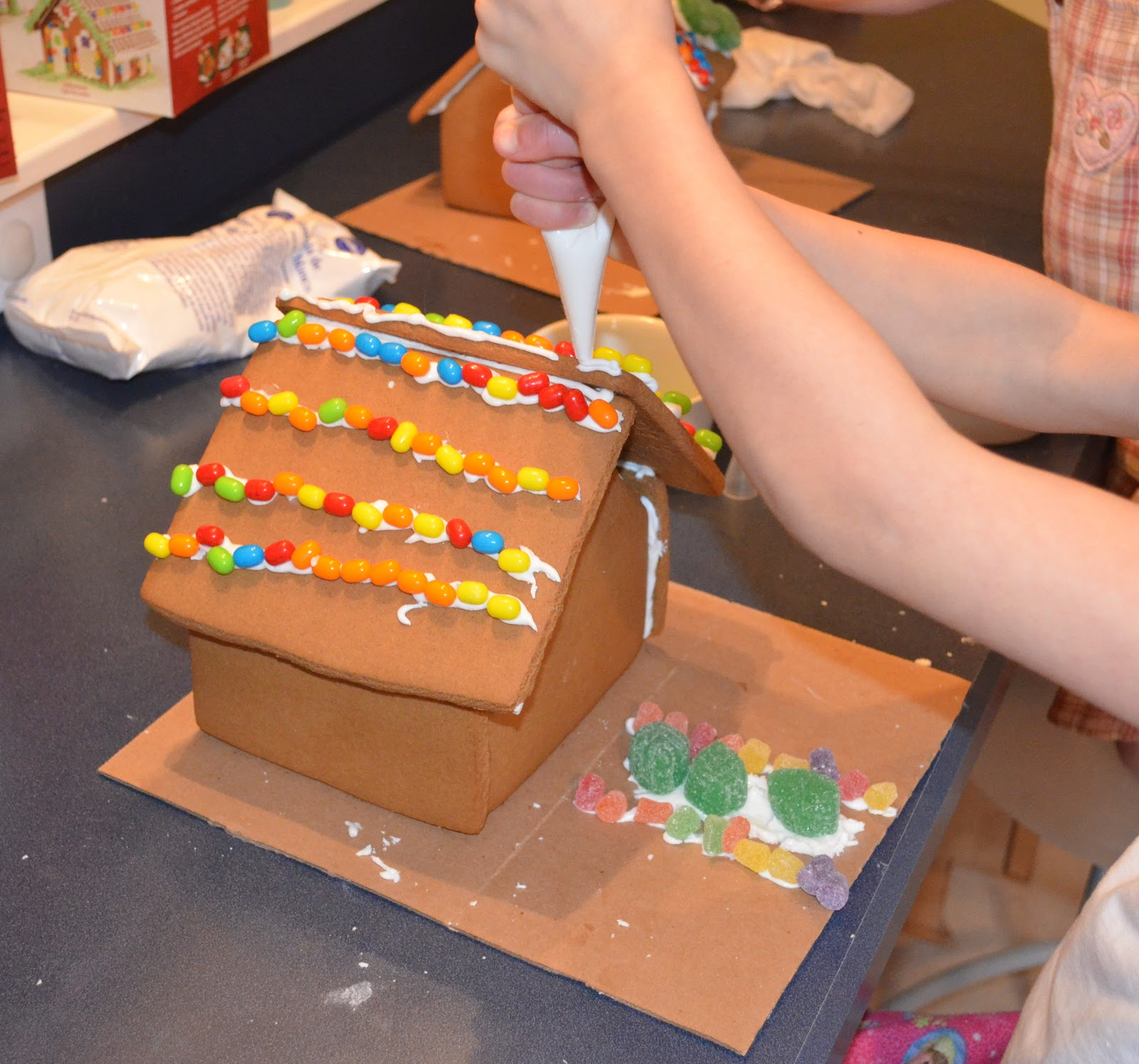 Build Decorate A Gingerbread House Day 4 Of The 12 Days