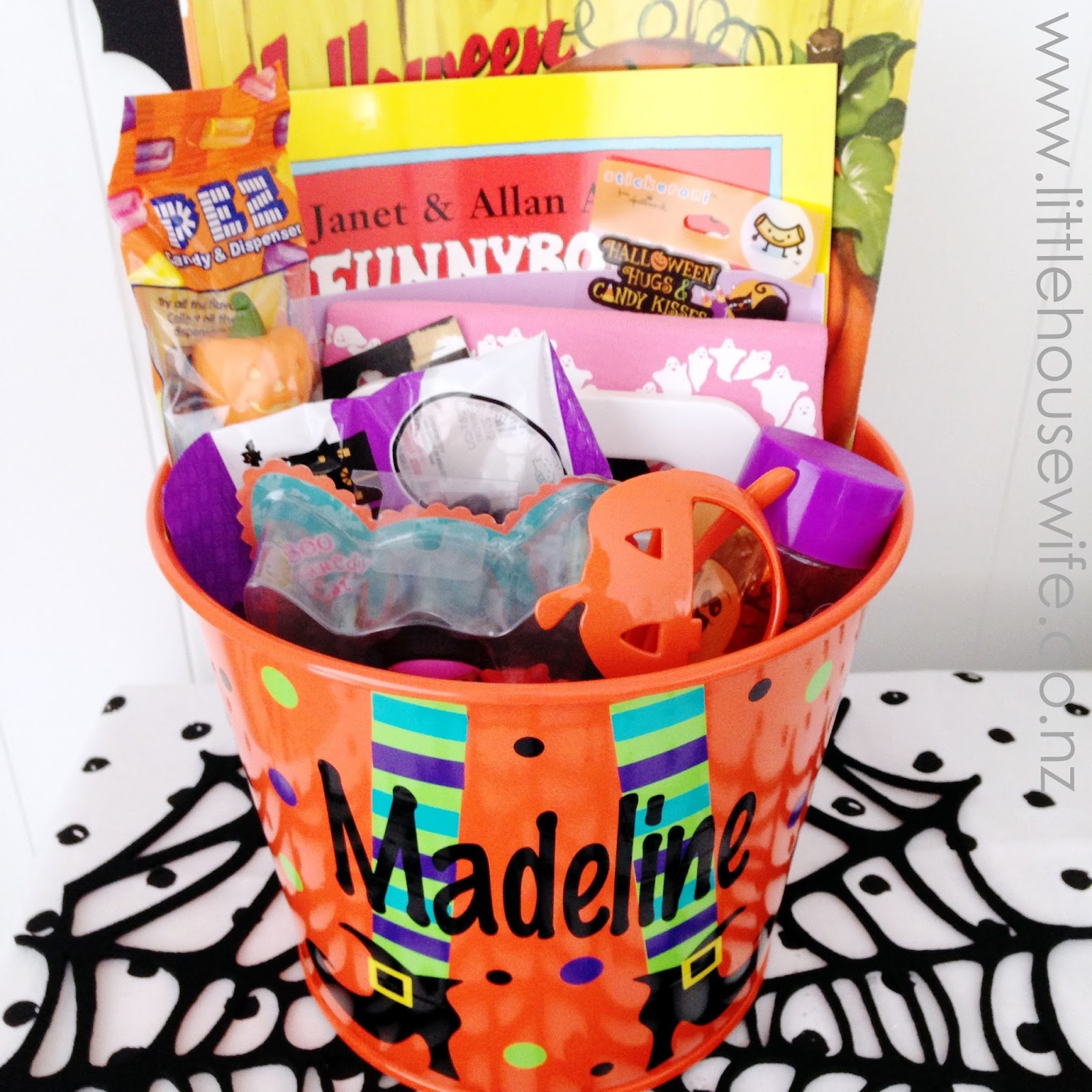 Little Housewife: Halloween Baskets