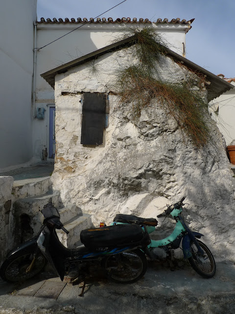 Góra część miasta Skiathos/Upper part of Skiathos town