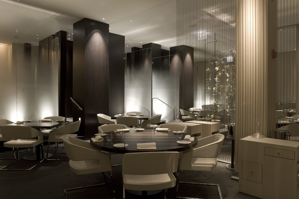 Merveilleux The Main Dining Room Of This Good Contemporary Seafood Restaurant L2O In  Chicago Is One Volume, But Architects Designed Distinctive Artistic  Elements To ...