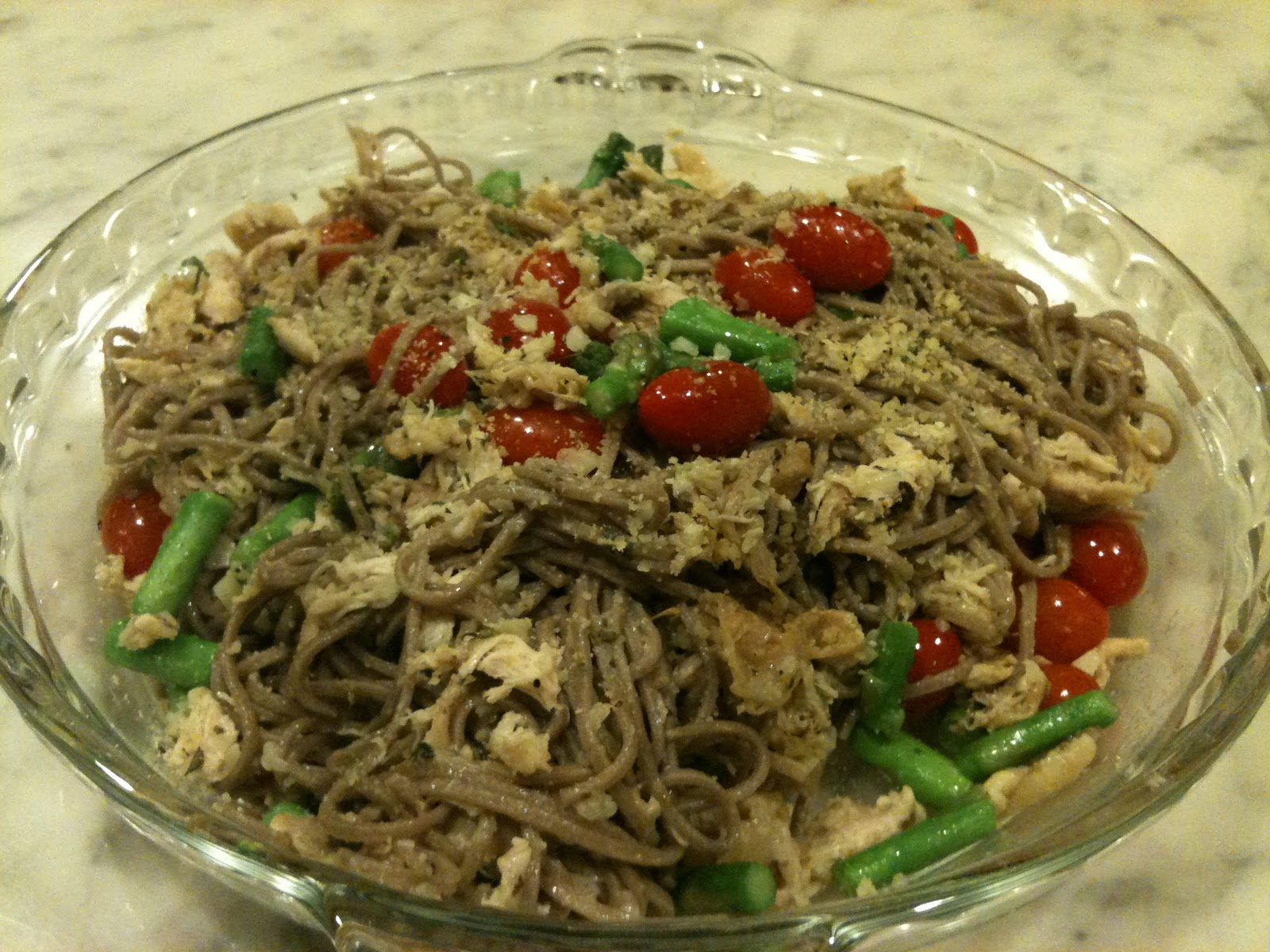 Parmesan Garlic Soba Noodles with Chicken, Tomatoes, and Asparagus