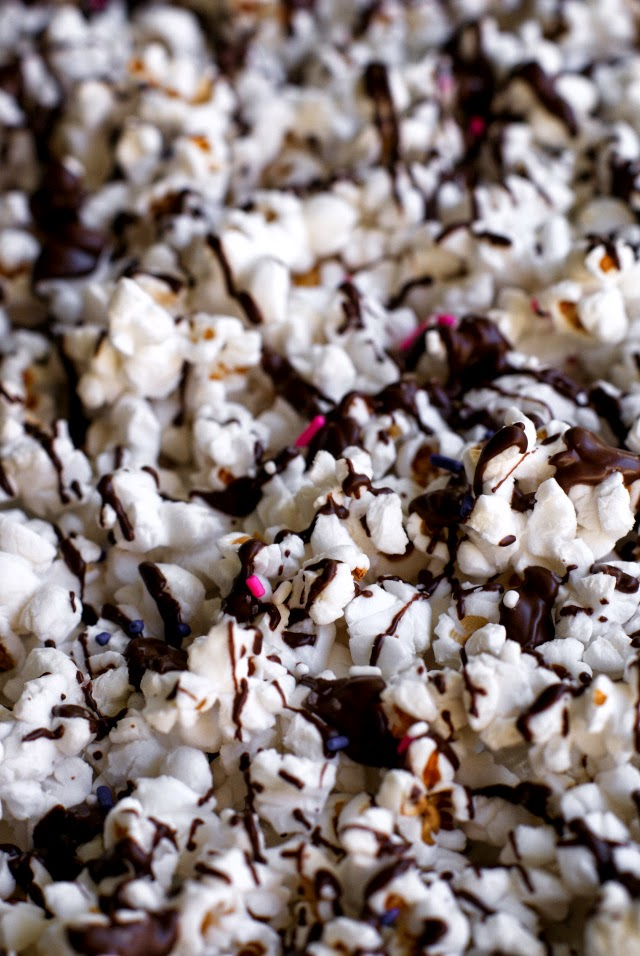 Healthy Salted Dark Chocolate Popcorn | The Two Bite Club