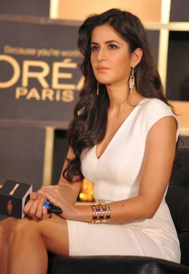 sexy katrina kaif hot cleavage and milky legs hd pics