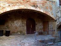 Un dels portals del pati interior del Pedrós
