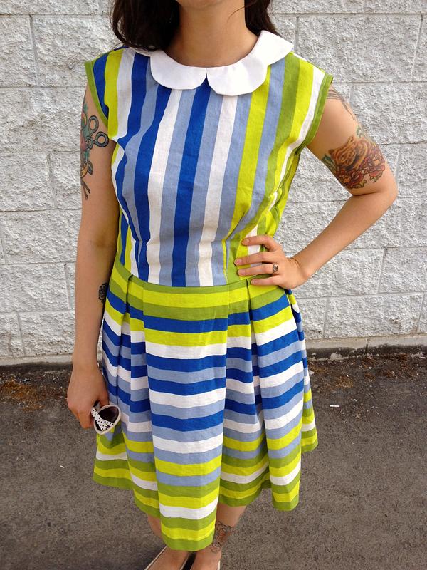 simplicity dress, scalloped, peter pan collar