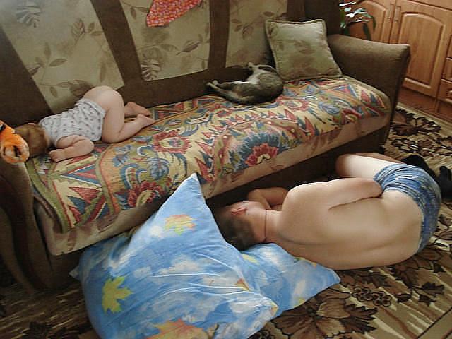 Kako tate čuvaju decu :) Image001-740411