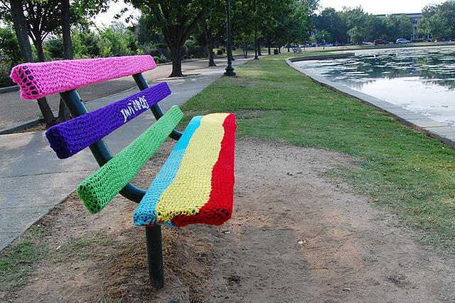 yarn bombing bench - photo #9
