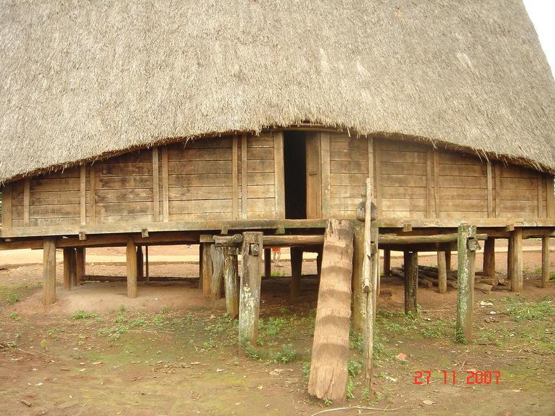 Nhà Rông ở Kon Tum