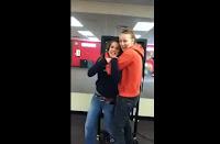 Televisión cae sobre chica bailando