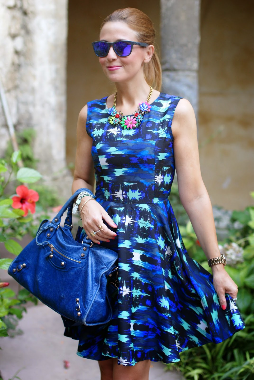Liquorish dress, skater dress, Balenciaga City blue, Fashion and Cookies, Le Silla pumps, fashion blogger