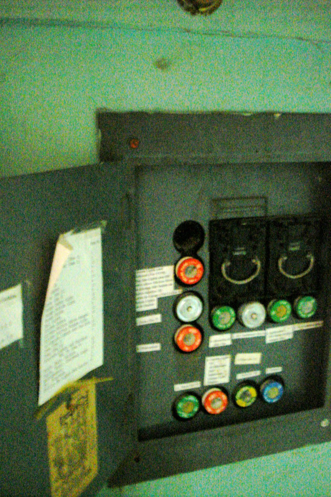 The Siami Project Aggressive 2011 Old Style Residential Fuse Box At Least This Caused Us To Learn About How Use School House Doesnt Have A Circuit Breaker But Instead With Actual